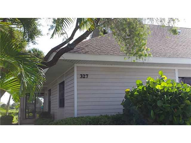 327 NE Golfview Circle 7-327, Stuart, FL 34996