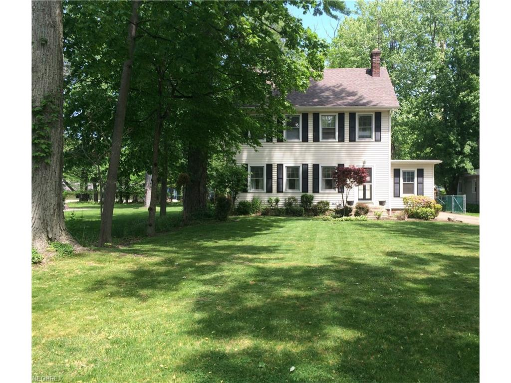 47 East Shore Blvd, Timberlake, OH 44095