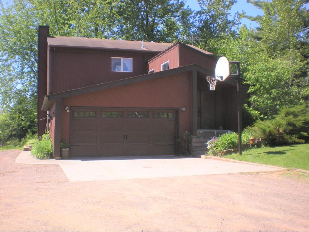 1164 Alcohol Road, Wrenshall, MN 55797