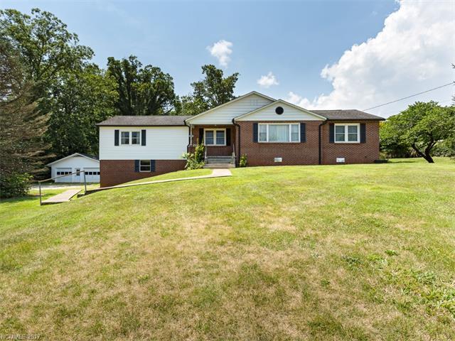 559 Long Shoals, Arden, NC 28704