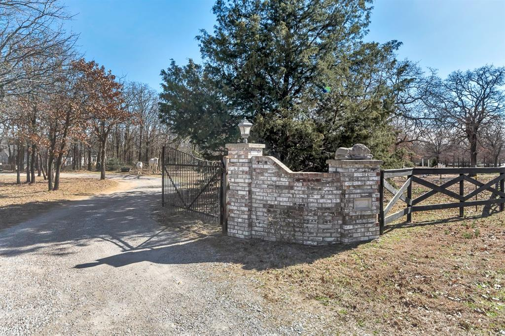 Photo 3 for Listing #13659761