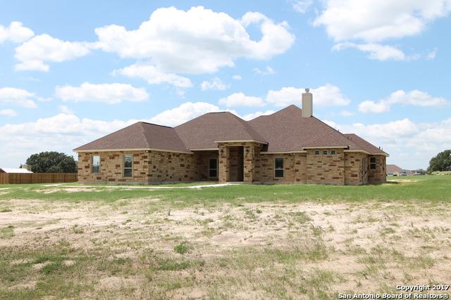 104 WESTFIELD CROSSING, La Vernia, TX 78121