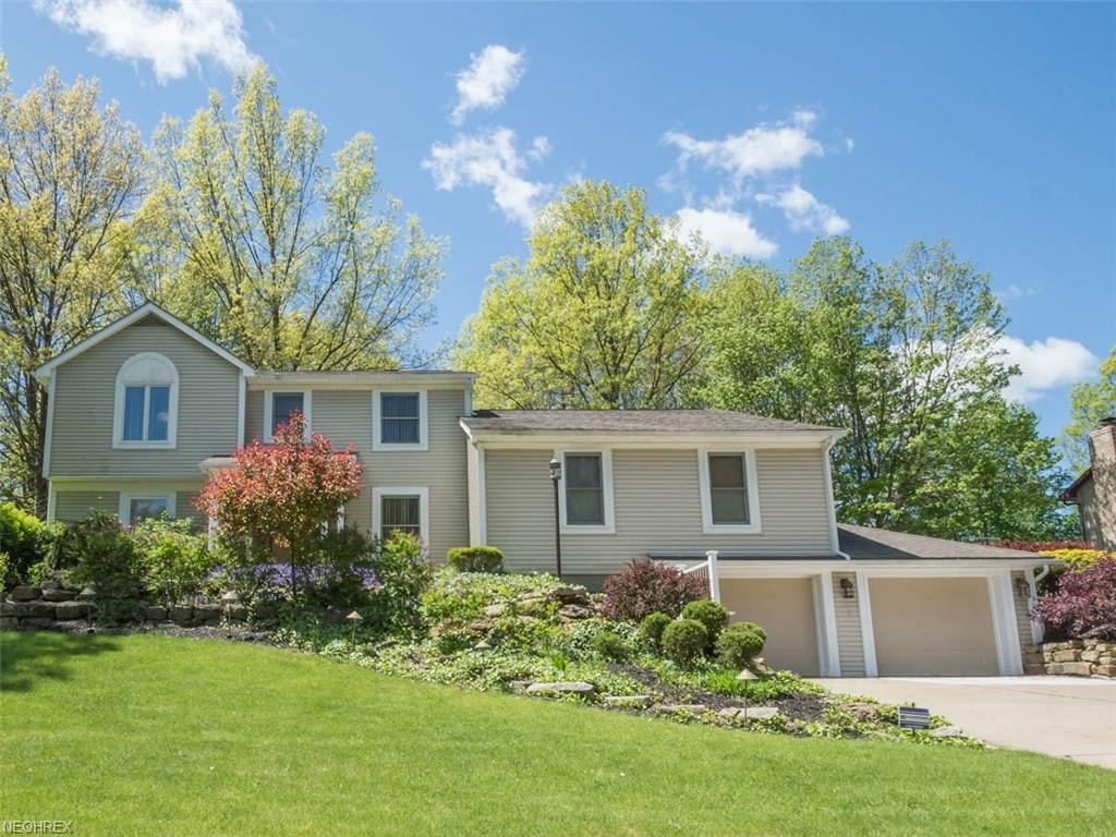 510 Stoneybrook Ln, Canfield, OH 44406