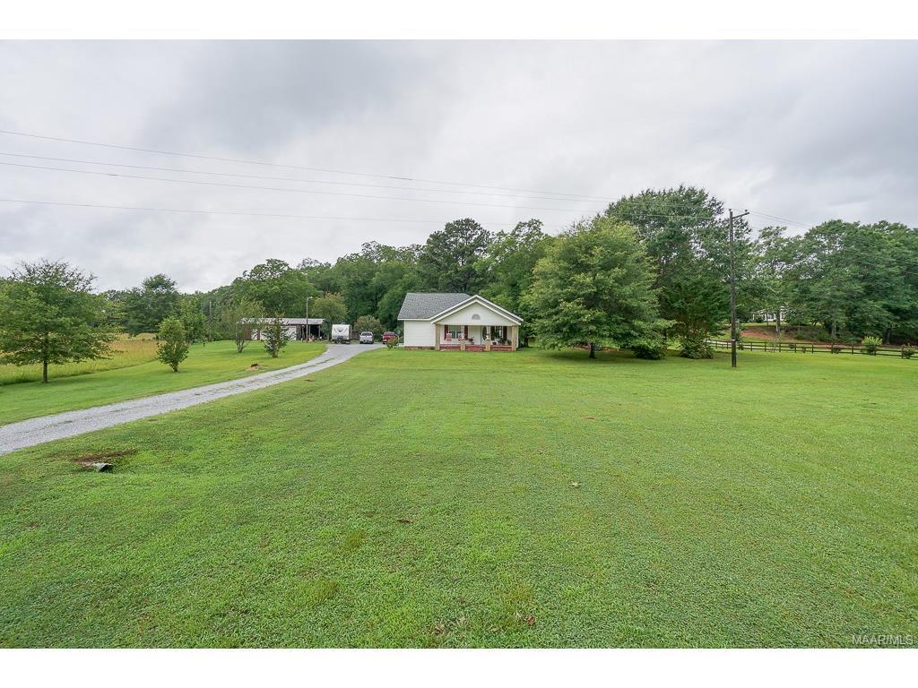 3802 County Road 37 ., Clanton, AL 35045