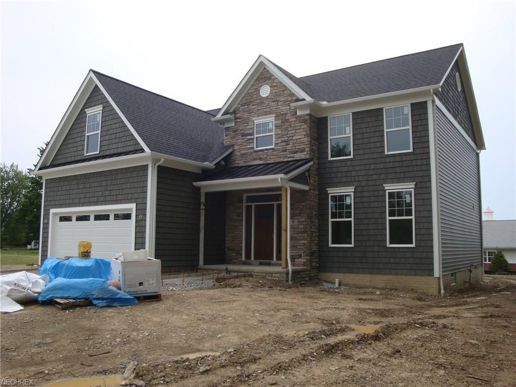 608 Crestview Dr, Bay Village, OH 44140