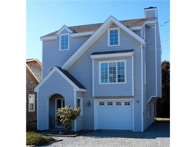 12 Middlefield St, Groton, CT 06340